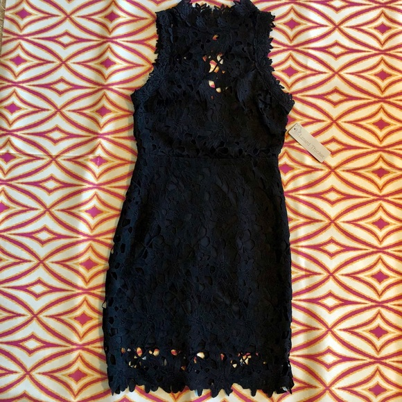 E2 Dresses & Skirts - NWT Open Back Lace Dress-Size Small
